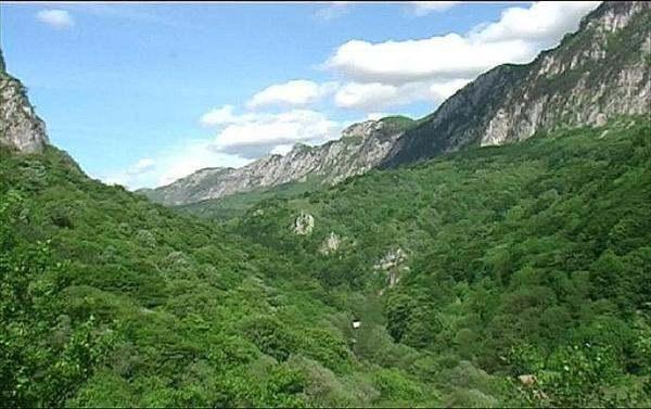 Pe urmele lui Hercules. Aventura in Valea Cernei.